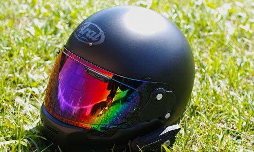 【レビュー】シンプルでかっこいいヘルメット。Araiの「RAPIDE NEO」を使ってみた。
