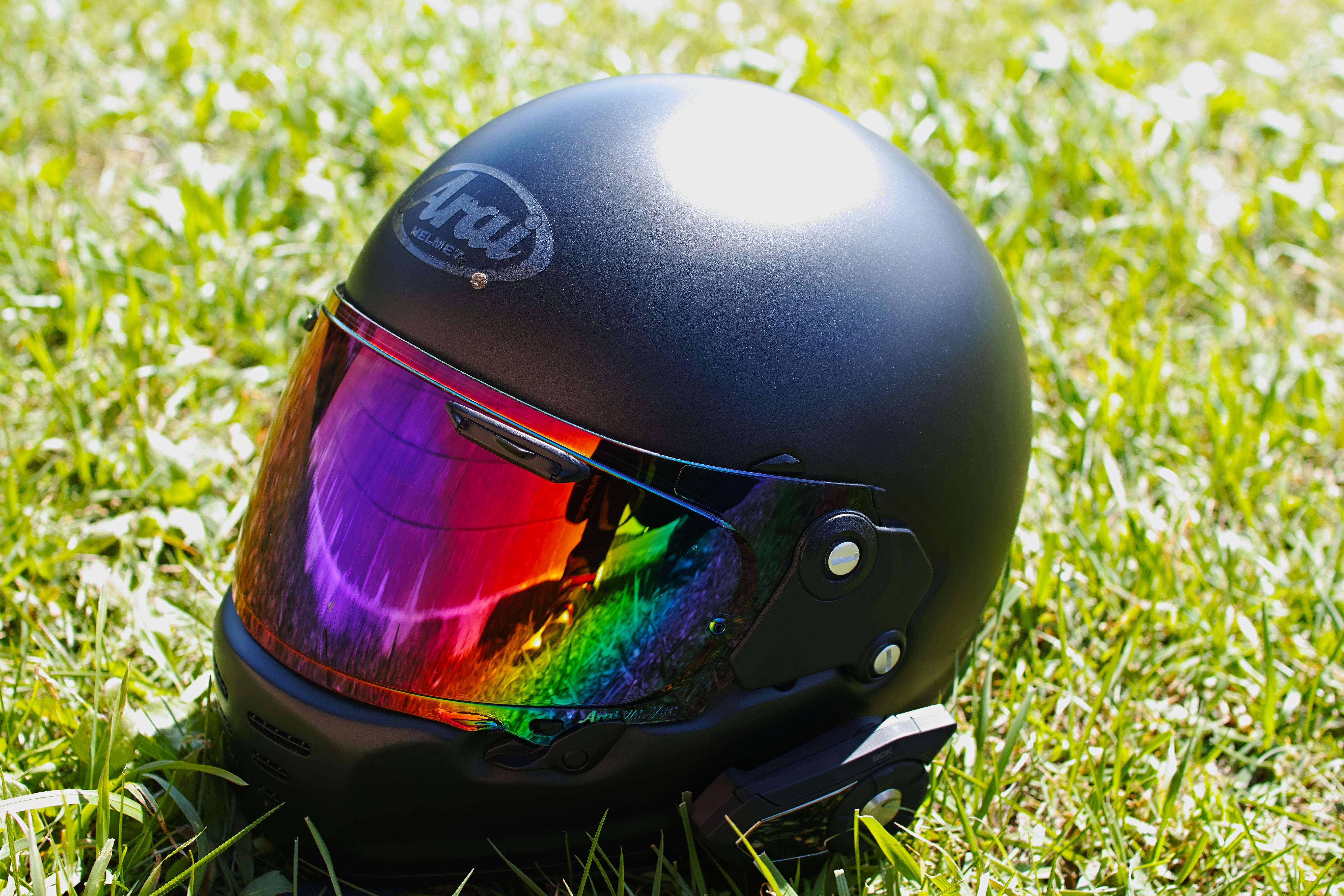 シンプルでかっこいいヘルメット。Araiの「RAPIDE NEO」を使ってみた。